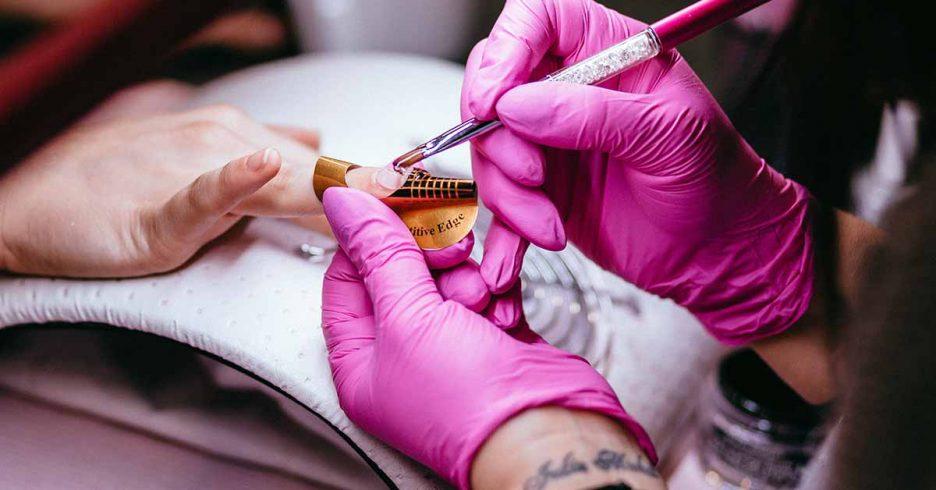Esmalte permanente uñas.