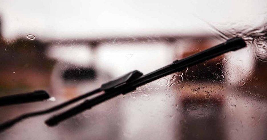 las escobillas limpiaparabrisas son uno de los productos estrella en la venta online de recambios para el automóvil