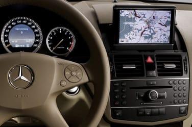Mercedes_gps_voz.jpg