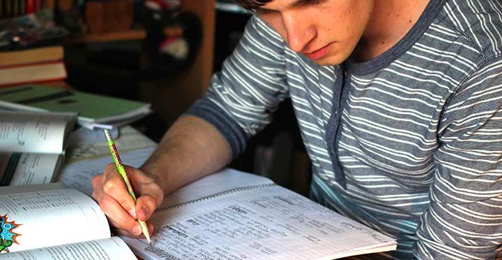 Cursos de español a inmigrantes para que encuentren trabajo