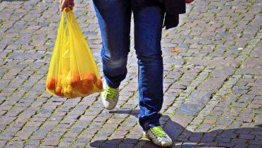 Cada español consume 238 bolsas de plástico al año y sólo se recicla el 10%