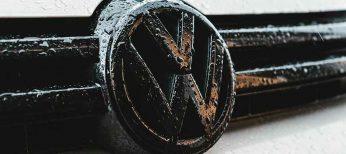 Volkswagen comercializará modelos que se aparcan sin conductor