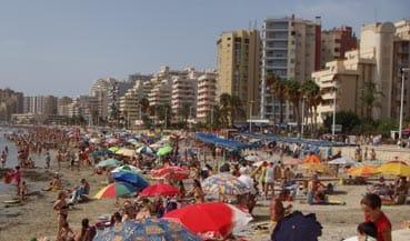 Playa turística en Calpe.