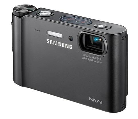 La NV9 es una cámara ultra compacta de 10,2 megapíxeles que dispone de una gran pantalla LCD de 2,7 pulgadas