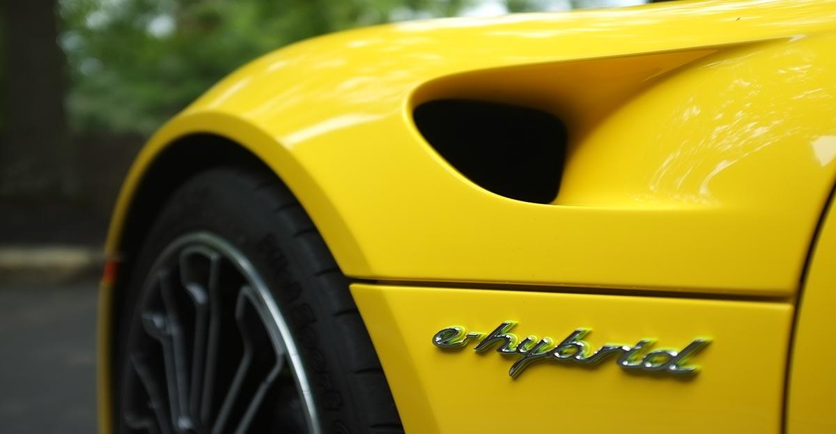 Los vehículos híbridos tienen seguros más baratos