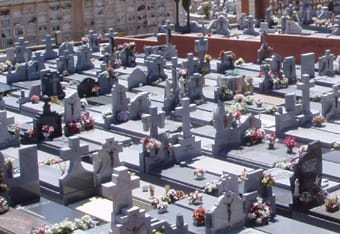 Un cementerio.