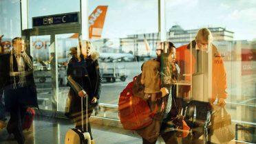 Un pasajero que sufrió un retraso de 37 horas en su vuelo consigue una indemnización de 600 euros por daños morales
