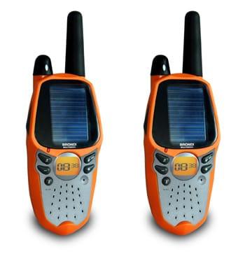 Walkie talkies solares que se cargan en una hora 'tomando' el sol