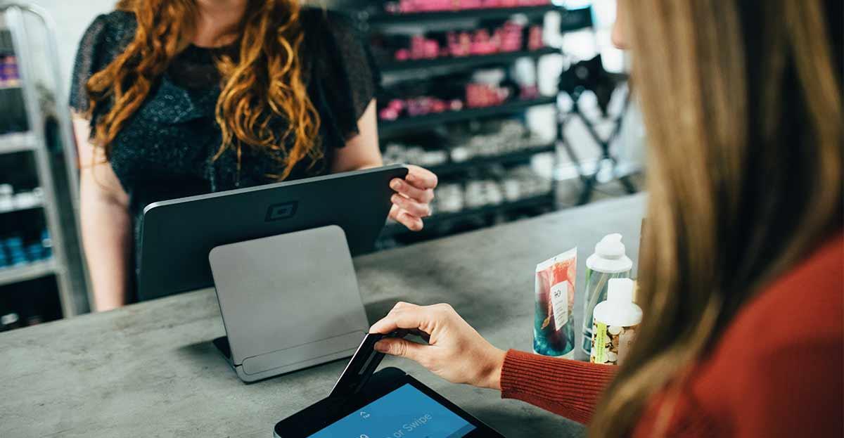 Las devoluciones con vales de compra coartan la libertad de compra de los consumidores en rebajas