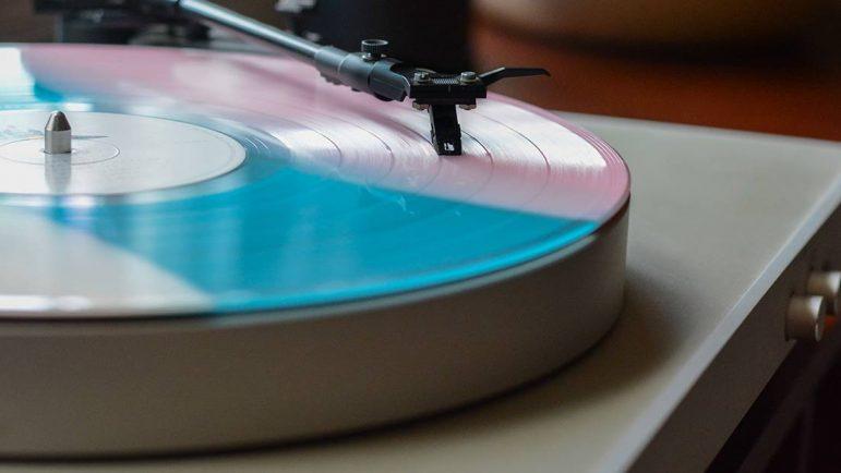 Giradiscos para pasar los discos de vinilo a MP3