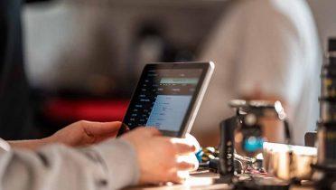 Francia quiere prohibir los móviles a los menores