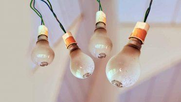 Las bombillas gratuitas para los ciudadanos se reparten en Correos
