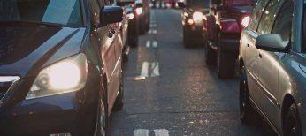 España cuenta con 445 coches por cada mil habitantes