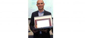 Premio a Bernardo Hernández como mejor emprendedor tecnológico