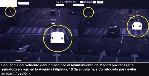 Multa puesta a un vehículo que superaba el límite de velocidad.