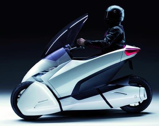 La moto del futuro de Honda tiene tres ruedas y motor eléctrico