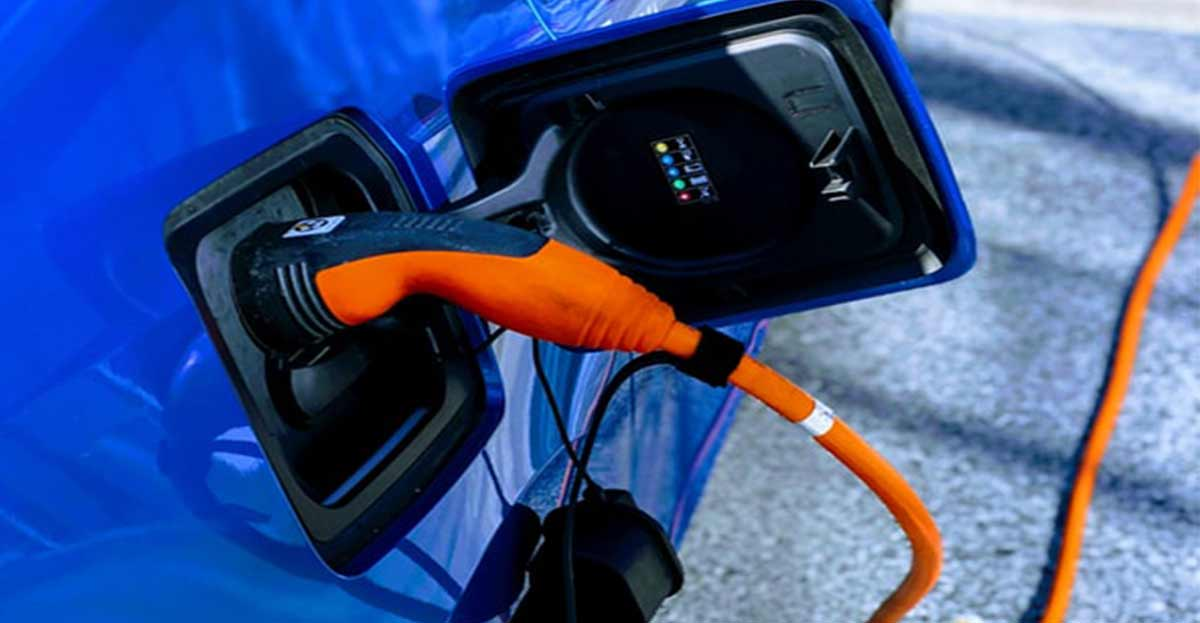 Iberdrola ya vende coches eléctricos incluyendo la instalación del punto de recarga