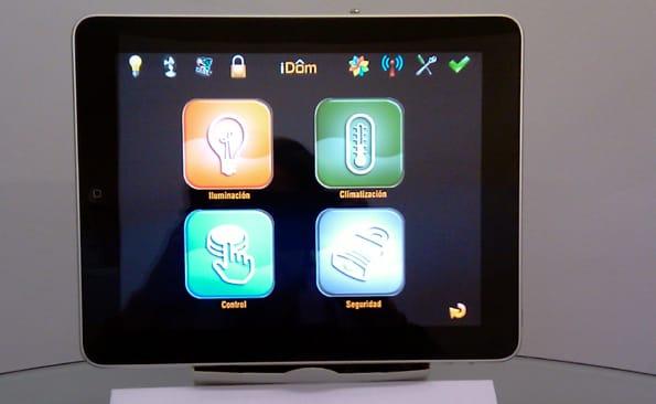 Control de la dom tica desde el ipad for Control de iluminacion domotica