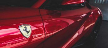 Los deportivos siempre rojos y si son como el Ferrari Testarrosa aún mejor