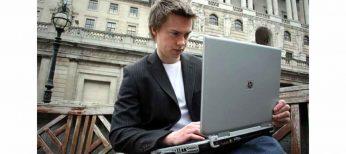 El joven del millón de dólares vendiendo píxeles lanza ahora el 'verdadero Face Book'