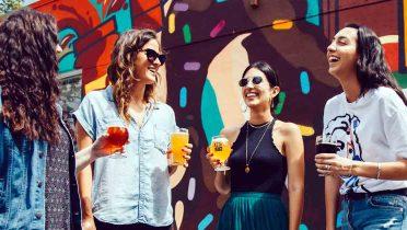 Lo que más beben los jóvenes: refrescos, agua, cerveza, copas y vino