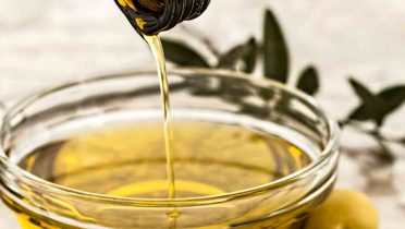 Fraude en el aceite de oliva, la Junta de Andalucía retira varias marcas