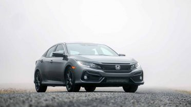 Honda enseña el eléctrico de baterías FIT EV y una plataforma para enchufar híbridos