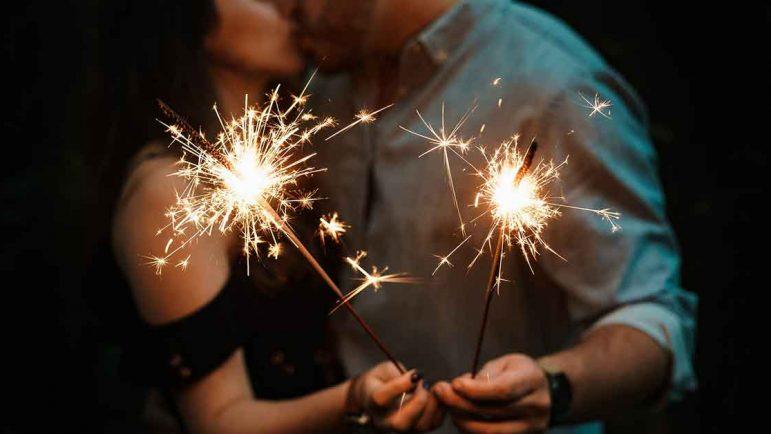 Los solteros echan en falta tener pareja en Navidad