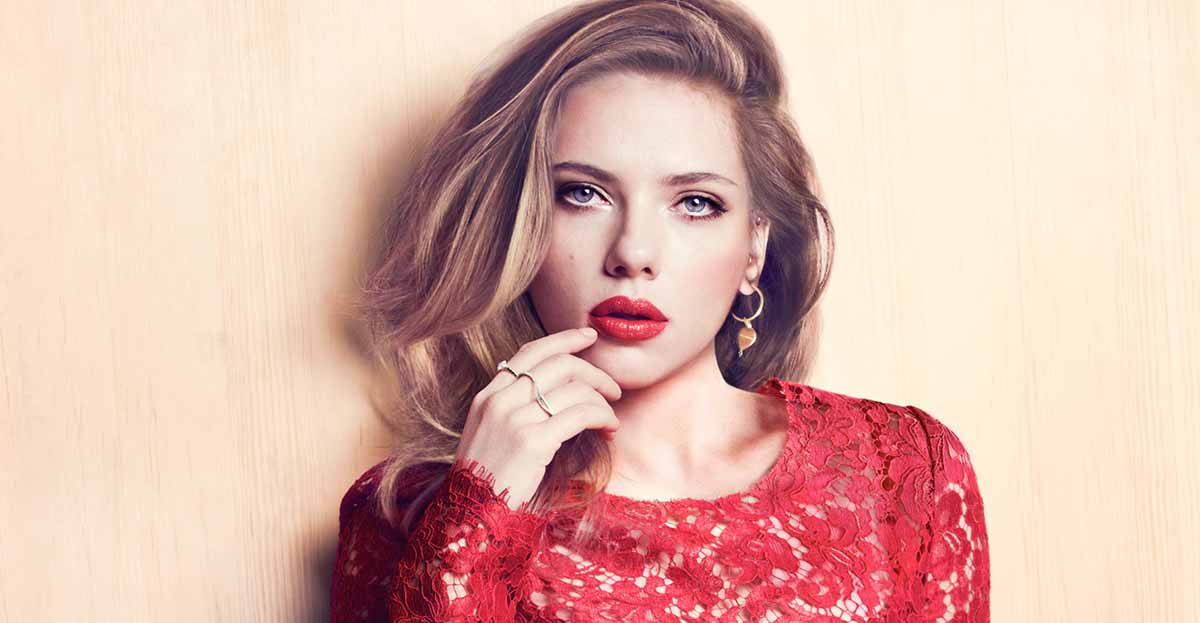 Scarlett Johansson sigue siendo el icono de moda de la marca de ropa Mango