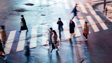 El peatón es el protagonista de las ciudades y se reducirá la velocidad de los coches a zonas 30