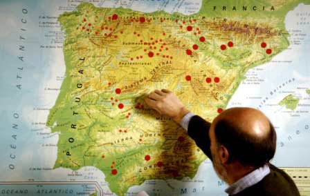Mapa con chinchetas