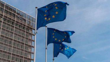 La Unión Europea pretende prohibir los móviles y el WiFi en los colegios