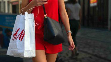 Cómo conseguir cupones descuento a cambio de ropa usada en H&M