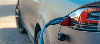 El elevado precio y la escasa autonomía lastran al coche eléctrico