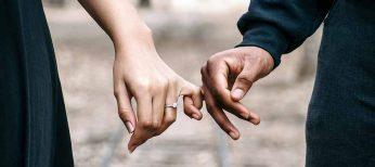 Amores de verano, el 80% de los solteros liga durante la época estival