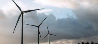 Las pilas pueden ser una apuesta para almacenar la energía eólica y solar que no se consume