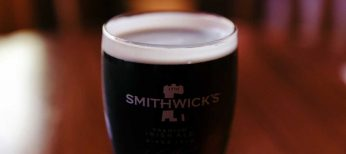 La cerveza negra es fuente de hierro