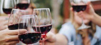 Cada vez se bebe menos vino en las casas