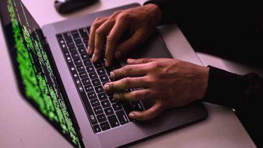 Los atentados de Noruega, la muerte de Amy Winehouse y Google+, nuevos virus del verano