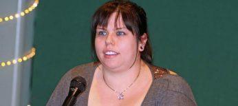 Amanda Hocking, la escritora de más éxito en Internet, ya vende 'Instinto' en papel