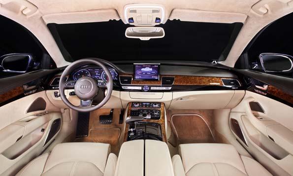 Interior de un Audi Avant.