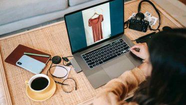 Las marcas de ropa en Internet: el final de las colas en la caja