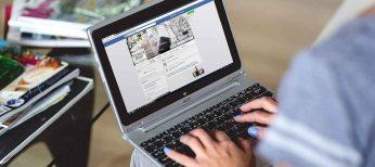 El 56% de los españoles no tiene compañeros de trabajo como amigos en Facebook