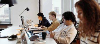 'Nearshoring', o trabajar en el mismo uso horario del cliente, se impone en la externalización de servicios