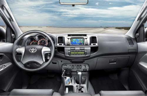 Interior del nuevo Toyota Hilux 2012.