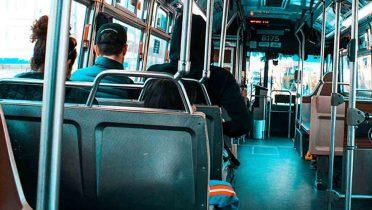 ¿Qué es lo que más te molesta de viajar en autobús? Frecuencia y falta de puntualidad