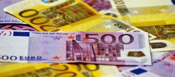 Sí, es cierto, de media cada español guarda algo más de dos billetes de 500 euros debajo del colchón