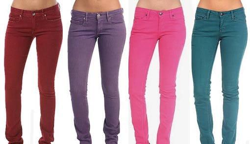 Jeans ceñidos.