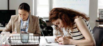 El apoyo a las mujeres en el mundo laboral para ascender a posiciones directivas las ayuda a ser más competitivas