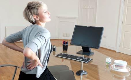 Dolor de espalda de estar en el ordenador.